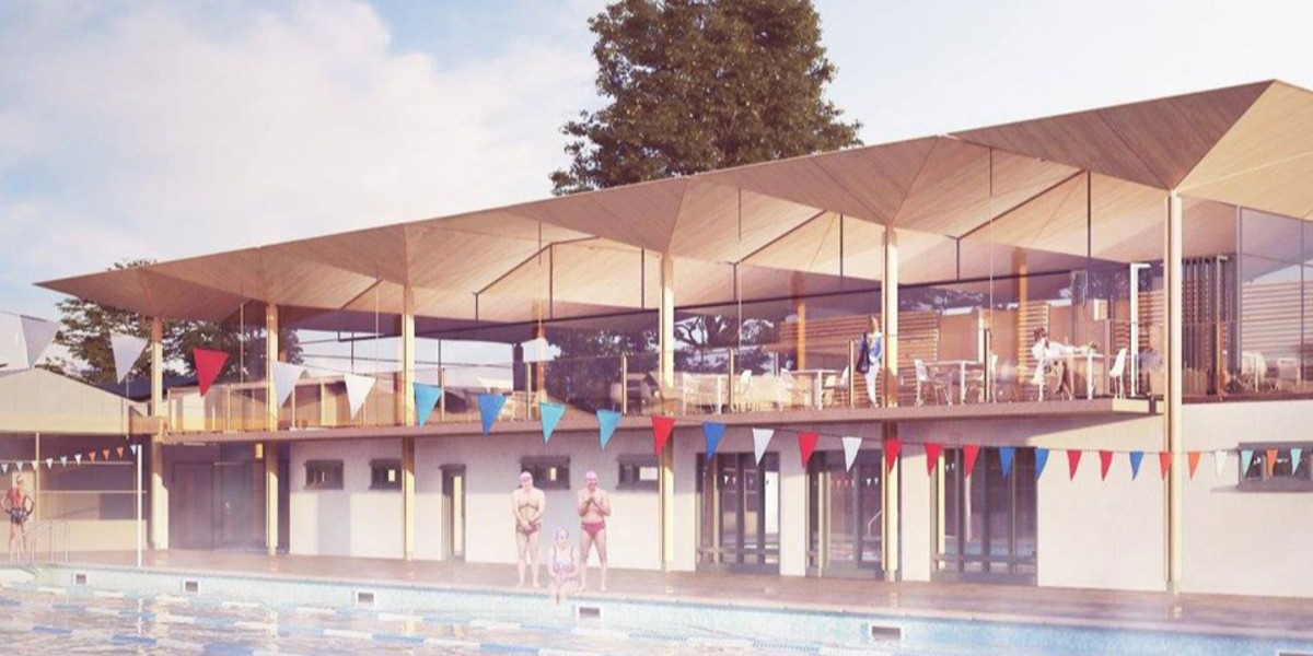Hampton Pool makes a splash