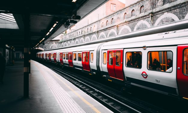 Is this the hour that London's commuter travel finally peaks?